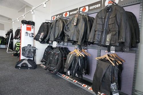 Mc tøj og udstyr fra Oxford